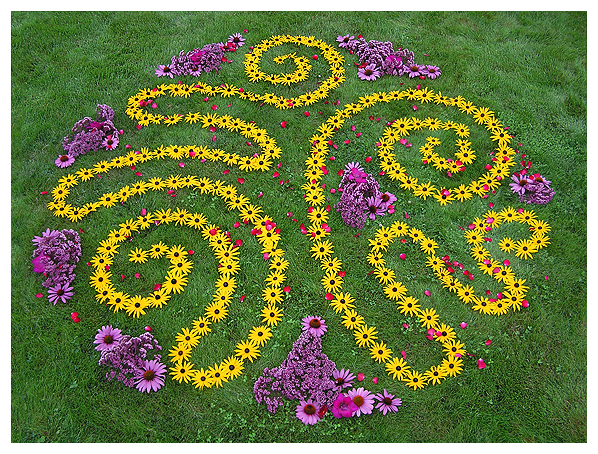 earthwork environmental mandala flower floral earthereal ephemeral nature art botanical celestial deva glyph