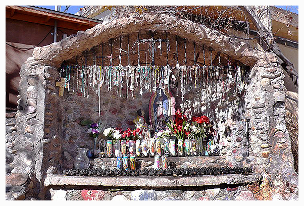 shrine El Santuario de Chimayo